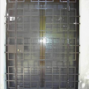 Grille ouvrante moderne