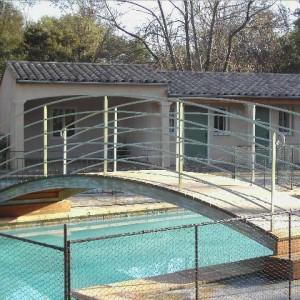 Pont sur piscine