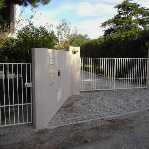Portail et portillon simple moderne